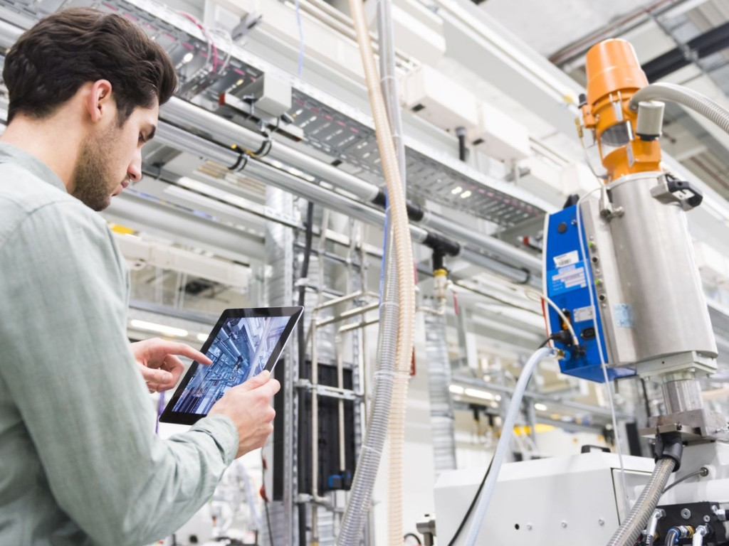 Safety in process industries with our expertise in functional safety | TÜV Rheinland
