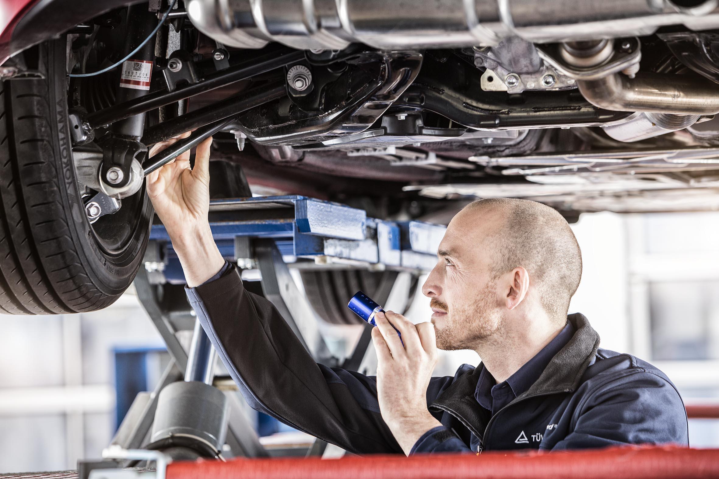Vehicle Inspection | WO | TÜV Rheinland