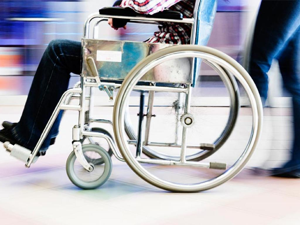 Wheelchair testing and mobility aids testing according to international product standards | TÜV Rheinland