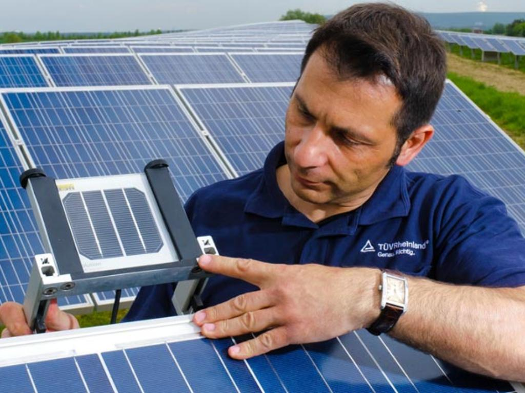 Solar performance ratio assessment | TÜV Rheinland